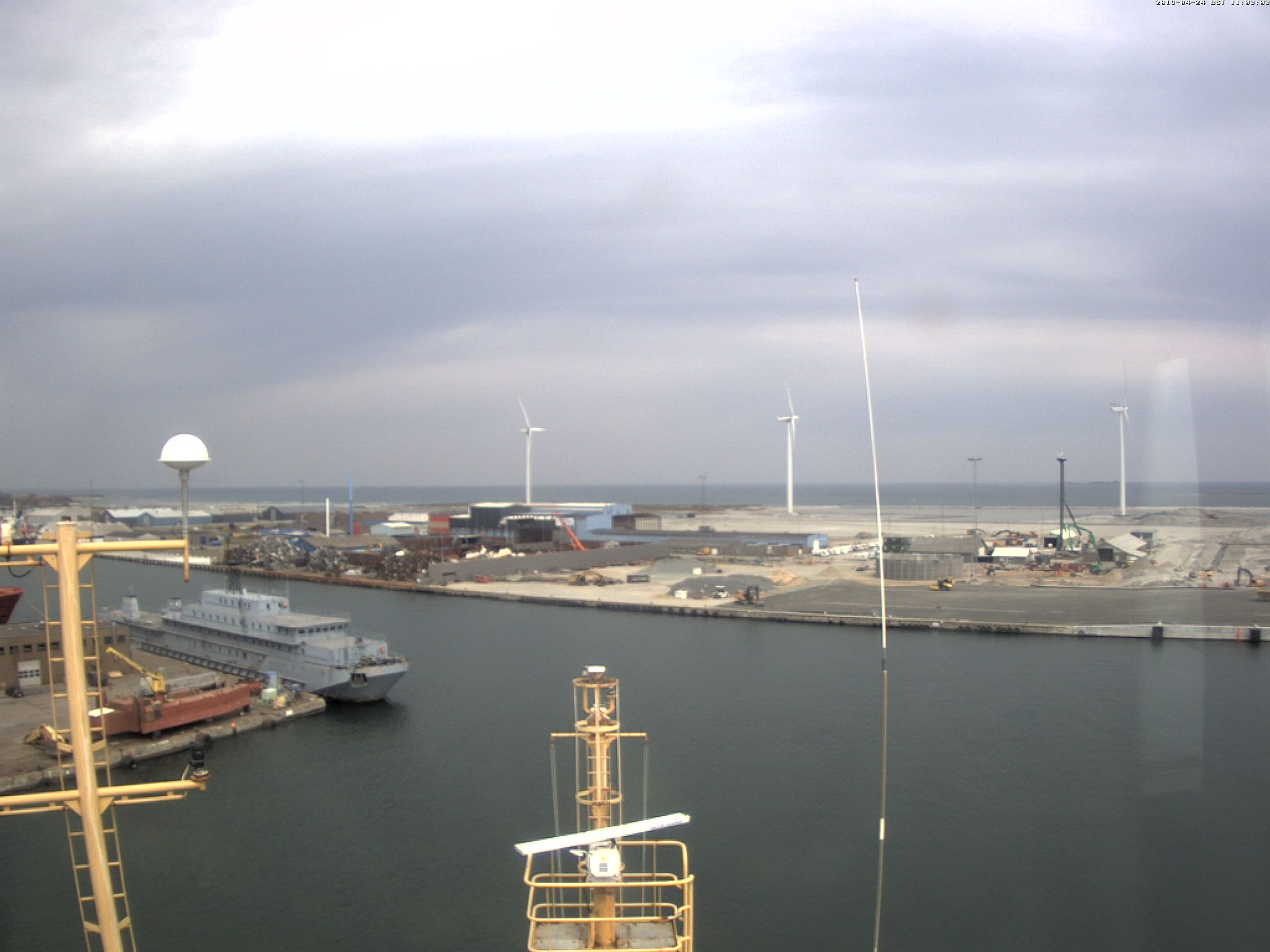 Latest RRS Ernest Shackleton webcam image
